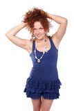 De kastanje-haired vrouw verfomfaait haar Royalty-vrije Stock Foto