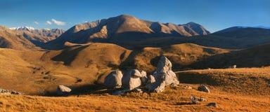 De kasteelheuvel is een plaats en een hoge post van het land in het Zuideneiland van Nieuw Zeeland dicht bij Rijksweg 73 tussen D stock foto's