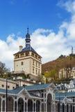 De kasteeltoren, Karlovy varieert, Tsjechische republiek Stock Afbeeldingen