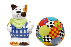 De kat van het porselein met een bal Stock Foto