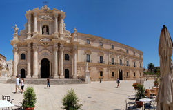 De kathedraal bij Piazza del Duomo Royalty-vrije Stock Fotografie