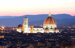 De Kathedraal en de Brunelleschi-Koepel royalty-vrije stock afbeeldingen