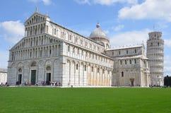 De kathedraal en de leunende toren van Pisa Stock Foto