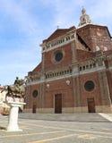 De Kathedraal ook geroepen Duomo van Pavia in Italiaans stock afbeeldingen