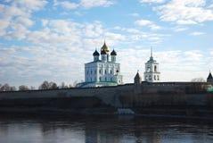 De kathedraal in Pskov het Kremlin Stock Afbeeldingen