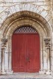 De kathedraal rode deur van Chartres Stock Afbeeldingen