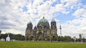 De Kathedraal van Berlijn (Berliner Dom), Duitsland stock video