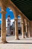 De kathedraal van Havana op een mooie duidelijke dag Stock Fotografie