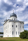 De Kathedraal van heilige George, Russisch orthodox Yuriev-Klooster in Grote Novgorod (Veliky Novgorod ) Rusland Stock Fotografie