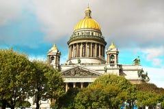 De Kathedraal van heilige Isaac, St. Petersburg Stock Afbeeldingen