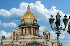 De Kathedraal van heilige Isaac in St Petersburg stock afbeeldingen