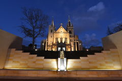 De Kathedraal van heilige Mary, Perth bij Schemer Stock Afbeeldingen