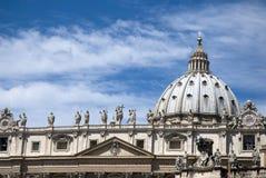 De kathedraal van heilige Peter - Vatikaan - Rome - Italië Stock Afbeelding