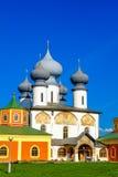 De kathedraal van het Tikhvinklooster van de veronderstelling Stock Foto's