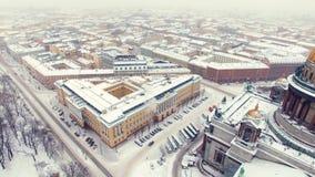 De kathedraal van Isaac in luchtschot heilige-Petersburg stock videobeelden
