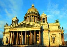 De kathedraal van Isaakiy in heilige-Petersburg Stock Foto