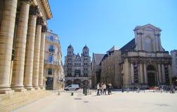 De kathedraal van katholiek in het oude district van de stad de oude stad van van Dijon, Dijon, Frankrijk Stock Afbeelding