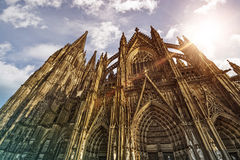 De Kathedraal van Keulen in de zon Stock Foto