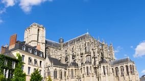 De Kathedraal van Le Mans, Frankrijk stock video