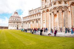 De kathedraal van Pisa met leunende toren in Italië Stock Foto's