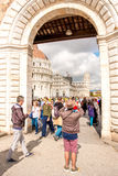 De kathedraal van Pisa met leunende toren in Italië Stock Afbeeldingen