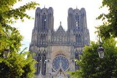 De kathedraal van Reims in Frankrijk stock afbeeldingen