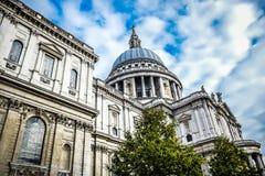 De Kathedraal van Saint Paul ` s in Londen, Engeland stock afbeeldingen