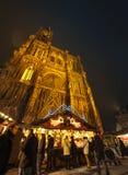 De kathedraal van Straatsburg en Kerstmismarkt Stock Afbeelding