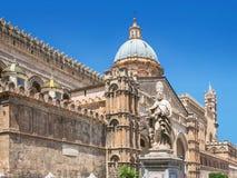 De Kathedraal & x28 van Palermo; Metropolitaanse Kathedraal van de Veronderstelling van Maagdelijke Mary& x29; in Palermo, Sicili Royalty-vrije Stock Afbeelding