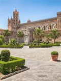 De Kathedraal & x28 van Palermo; Metropolitaanse Kathedraal van de Veronderstelling van Maagdelijke Mary& x29; in Palermo, Sicili Stock Fotografie
