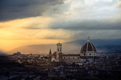 De kathedraalcityscape van Florence tijdens zonsondergang Royalty-vrije Stock Afbeelding