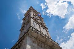De kathedraaltoren van Trogirsaintlawrence stock afbeeldingen