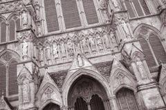 De Kathedraalvoorgevel van Salisbury stock fotografie
