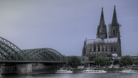 De Kathedraalzonsondergang van Keulen