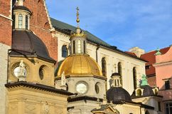 De kathedralen van de oude Poolse stad van Krakau, het fascineren royalty-vrije stock fotografie