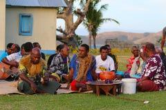 De Kava-ceremonie, Yasawa-Eilanden, Fiji stock afbeeldingen