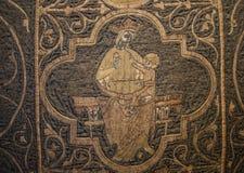 De kazuifel zeer oud borduurwerk van Clare stock afbeeldingen