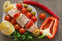 De kebab en de groenten van Salmon Shish Stock Foto