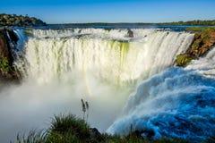 De Keel van de duivel bij Iguazu-Dalingen, op de Grens van Brazilië en Argentinië Stock Foto