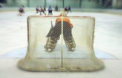 De keeper van het ijshockey stock afbeelding