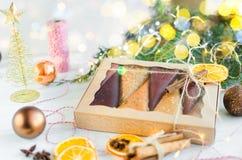 de kegels van fruitpastila in een giftdoos royalty-vrije stock foto