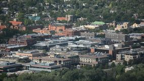 De Kei van de binnenstad, Colorado op Sunny Day met Keireservoir stock videobeelden