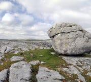 De keien Burren stock afbeeldingen