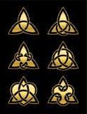 De Keltische Driehoek knoopt Symbolen Gouden Zwarte Achtergrond royalty-vrije illustratie