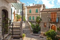 De kenmerkende huizen van Morcone, in de provincie van Benevento stock afbeeldingen