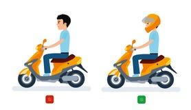 De kerel berijdt een bromfiets met een helm en zonder een helm, en veiligheidsverordeningen Royalty-vrije Stock Foto's