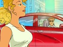 De kerel in de rode auto neemt een blondemeisje op Stock Foto's