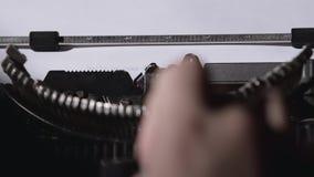 De kerel schrijft een brief hello mijn beste vriend stock footage