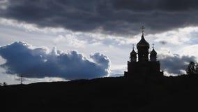 De Kerk en de Hemel met Wolken stock video