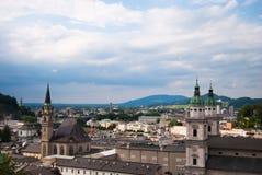 De kerk en de kathedraal van Salzburg Royalty-vrije Stock Fotografie